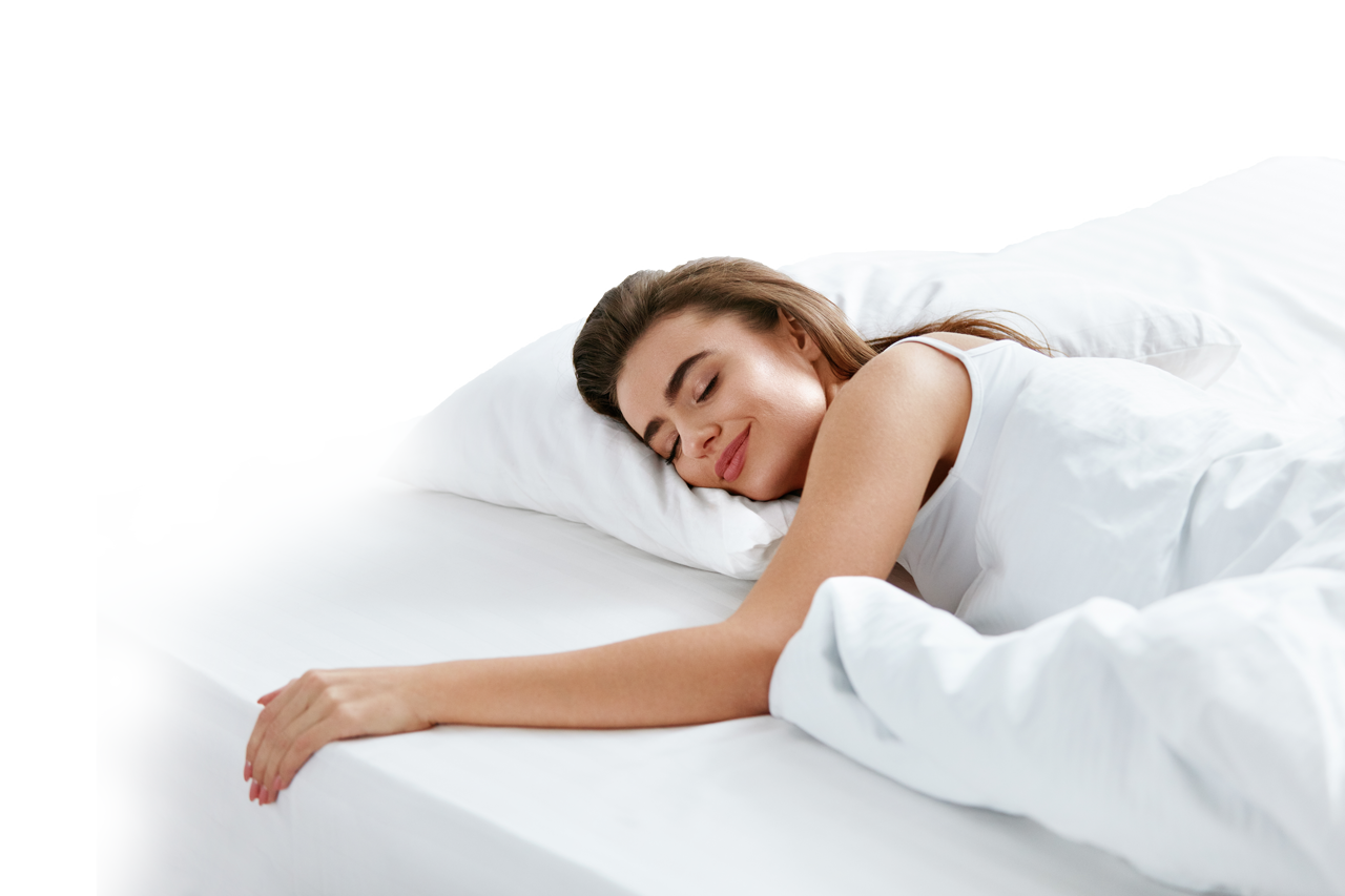 Frau schläft auf Matratze